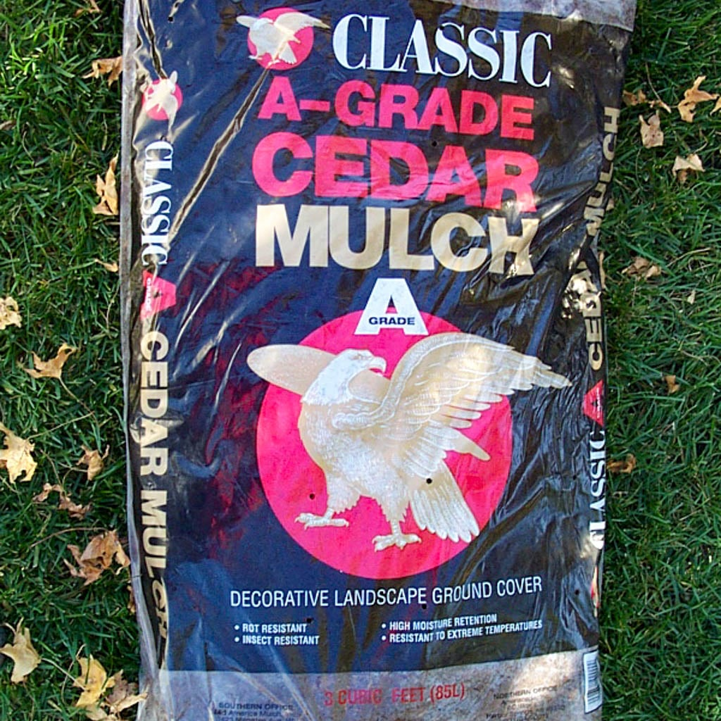 Grade-A Cedar Mulch-3 Cubic Foot